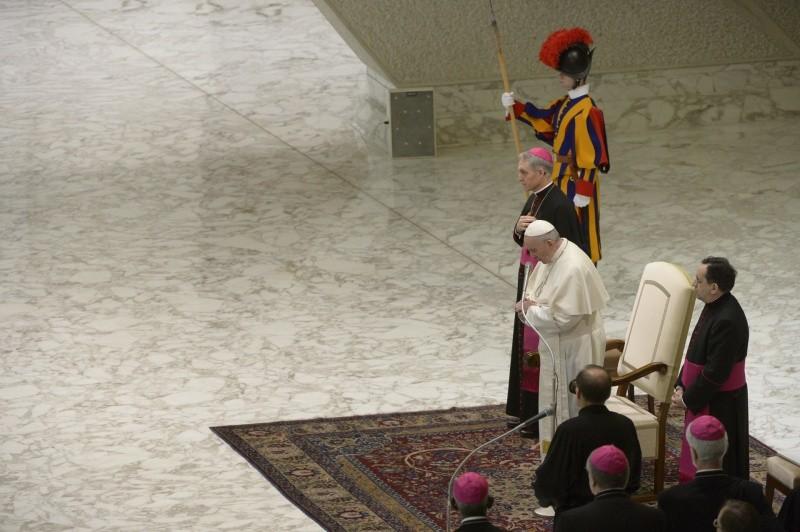 Francisco llama a rezar por los hermanos de Oriente Medio © Vatican Media