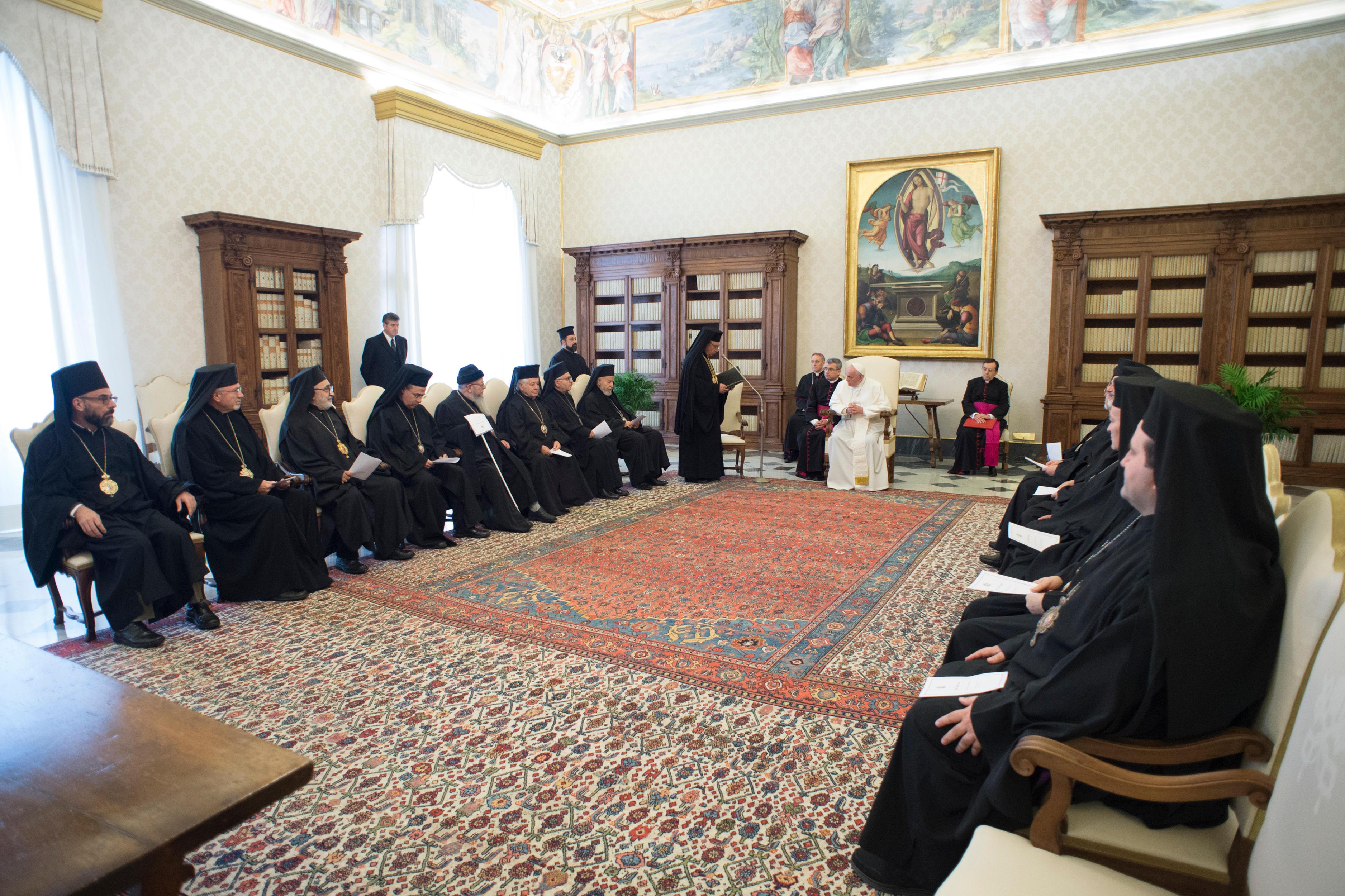 Audiencia del Papa con los miembros del Sínodo Greco-Melquita © Vatican Media