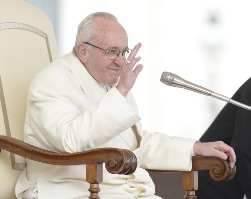 El Papa saluda en la Audiencia General 21/3/2018 © Vatican Media