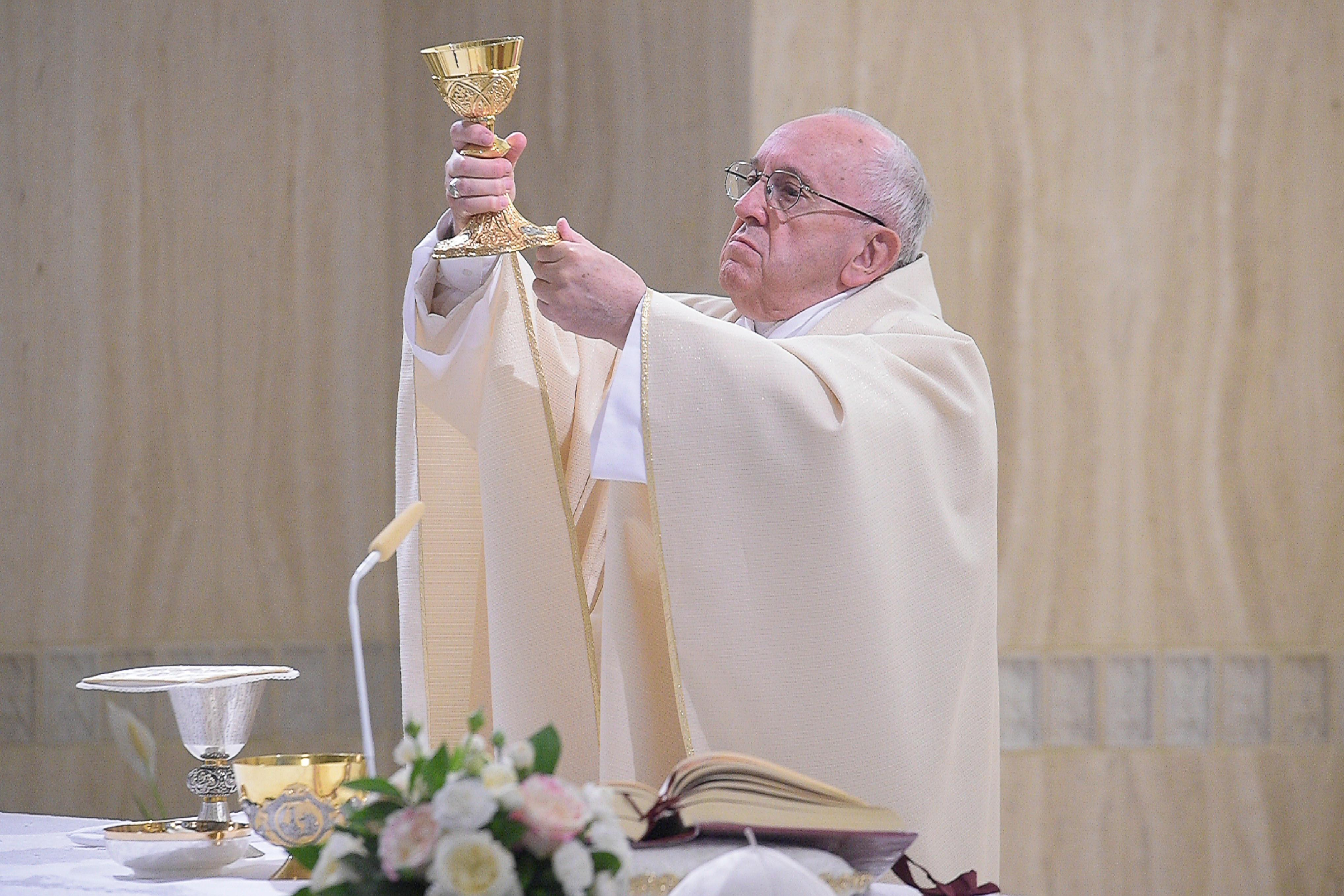 Francisco celebra la Eucaristía en Santa Marta © Vatican Media