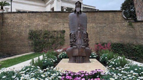Estatua de S. Gregorio de Narek en el Vaticano © Vatican Media