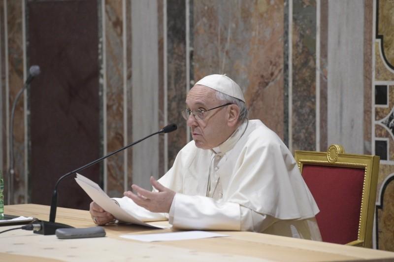 El Papa Francisco escribe una carta a los obispos de Chile © Vatican Media