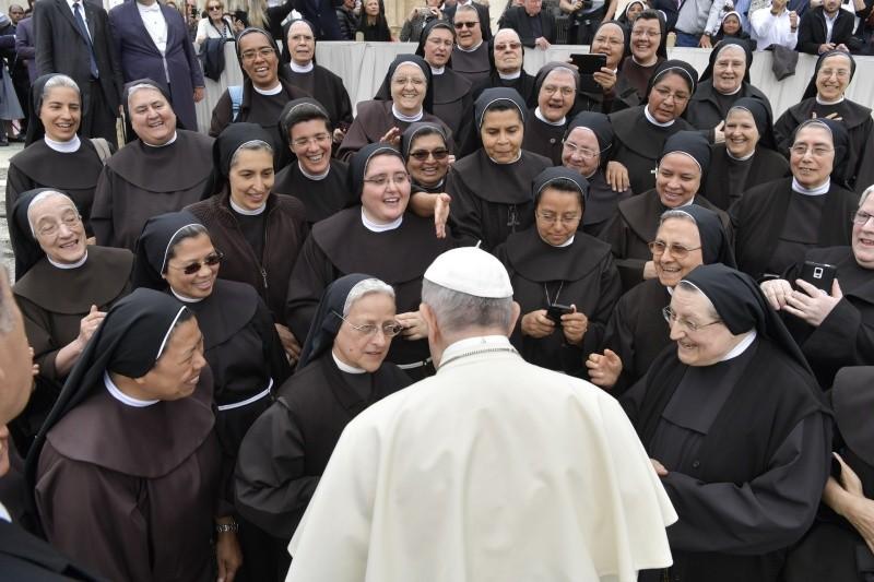Papa Francisco: Institutos de Vida Consagrada