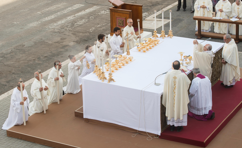 Celebración del Corpus Domini en Ostia, 3 junio 2018 © Vatican Media