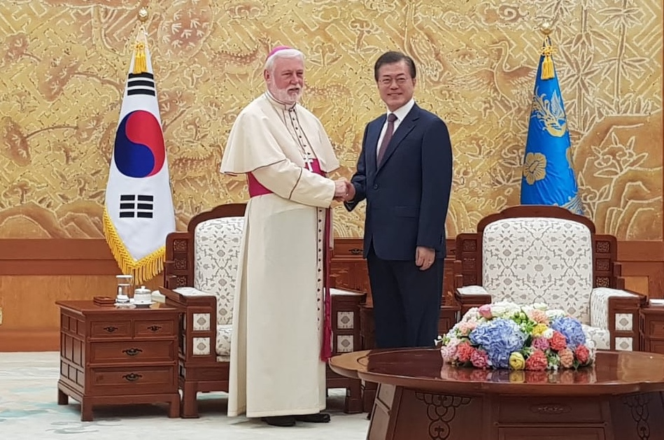 Visita Mons. Gallagher en Corea © Vatican Media