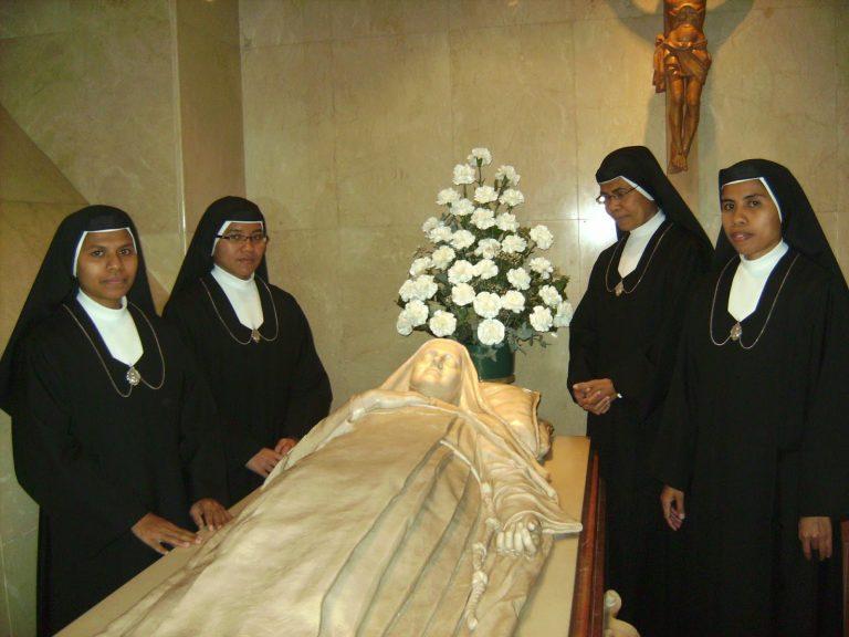 Cripta donde reposan los restos de Maria Pilar Izquierdo Albero © Casa de acogida Virgen del Pilar