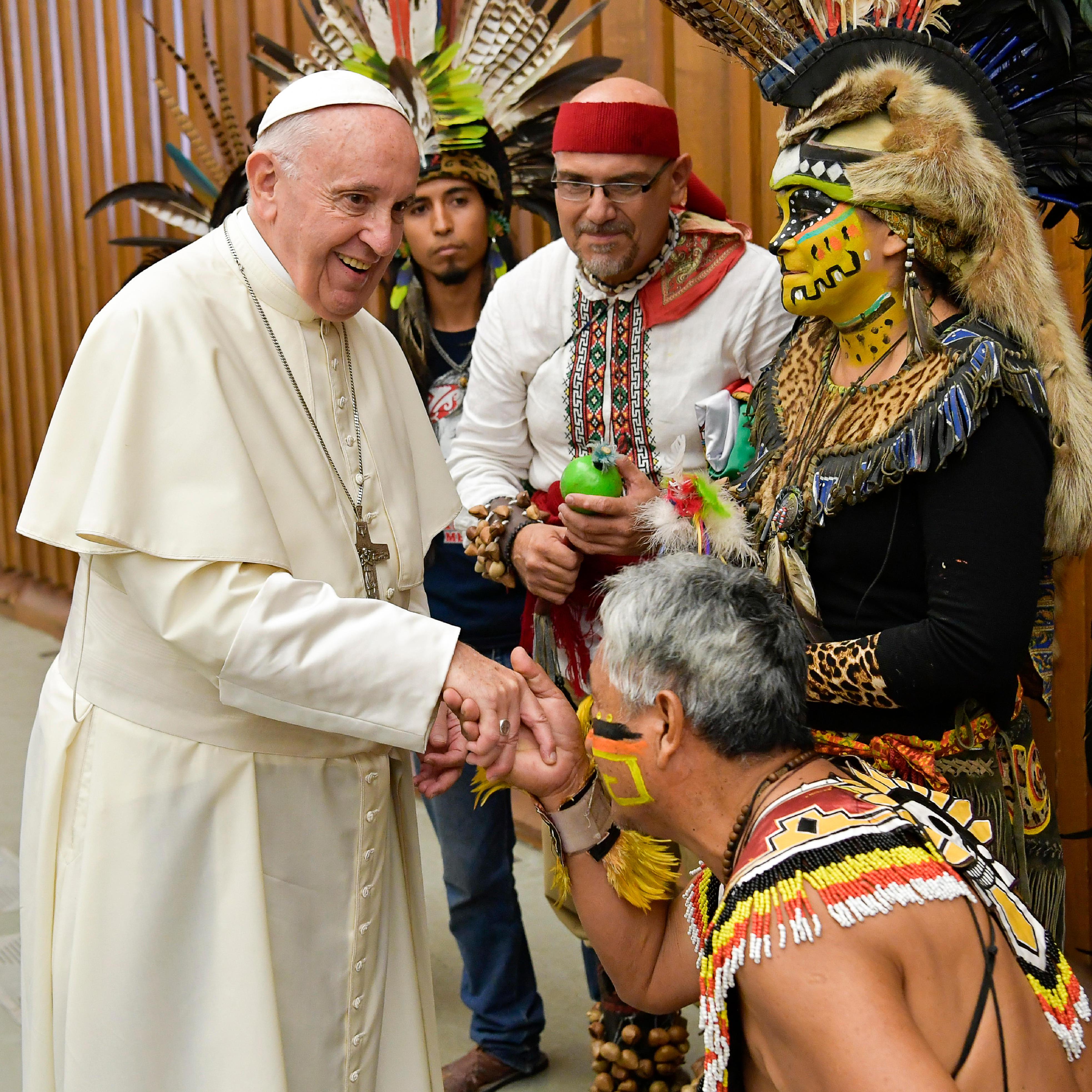 El Papa saludó a un grupo de indígenas mexicanos en la audiencia general © Vatican Media