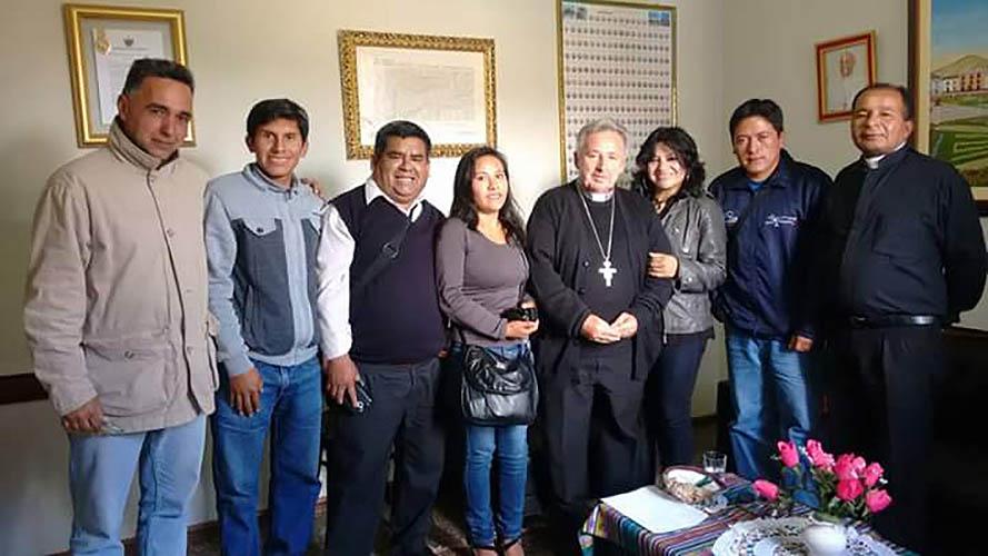 Mons. Sebastián Ramis, con los periodistas de Huamachuco © Doly León