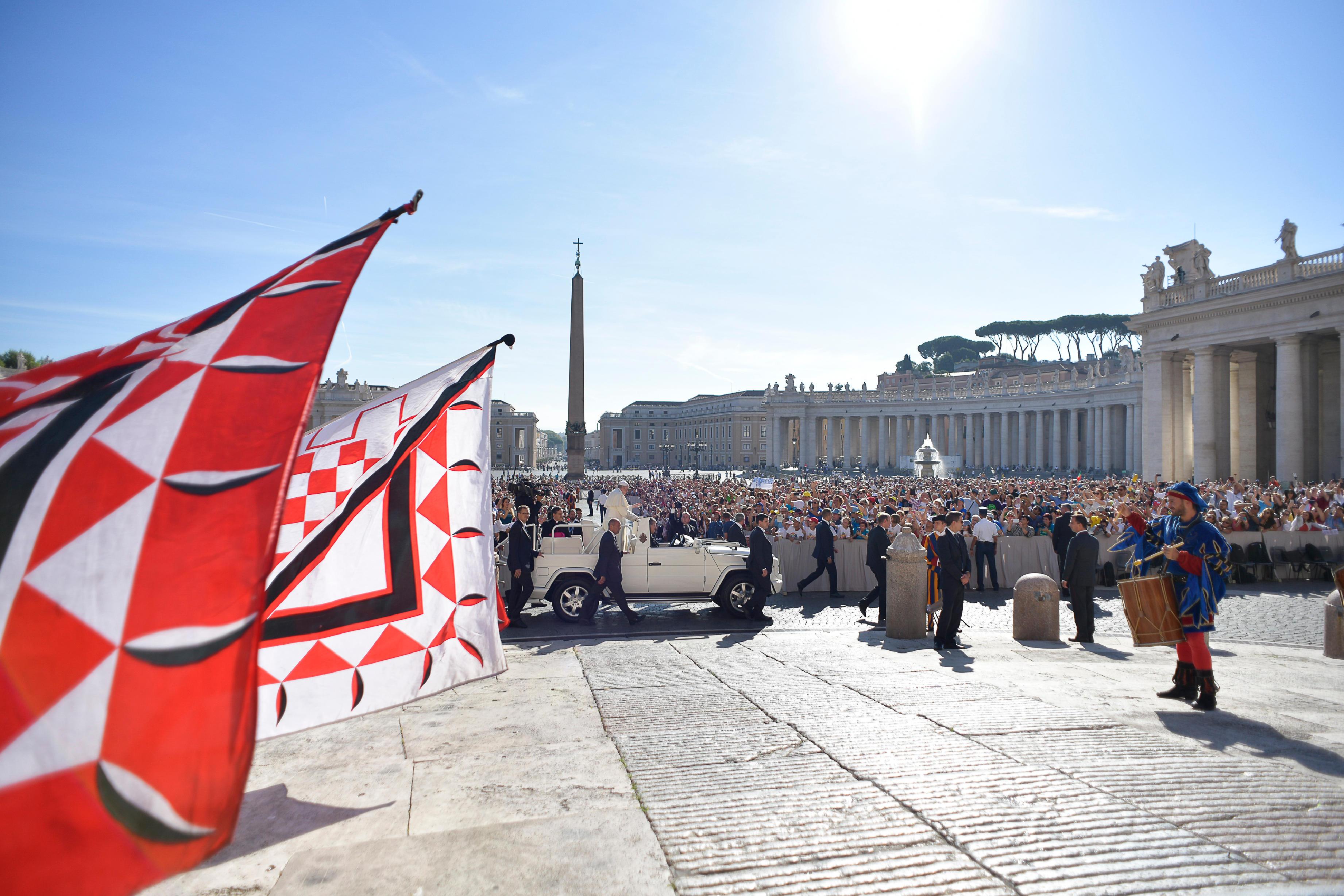 Francisco llega a la plaza de San Pedro, 12 septiembre 2018 © Vatican Media