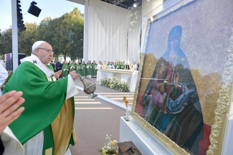 Francisco ha rezado el Ángelus en Kaunas, Lituania © Vatican Media