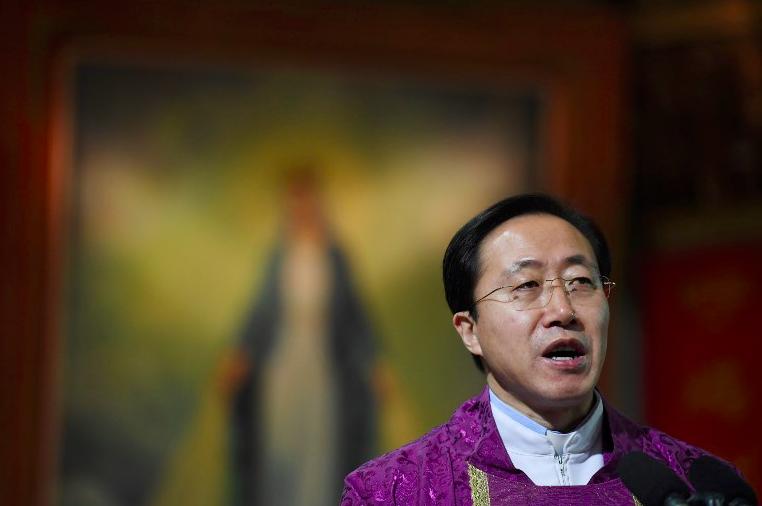 Obispo oficial chino © Asianews.it