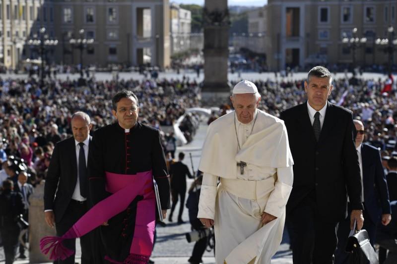 El Papa llega a la plaza de San Pedro, 26 sept. 2018 © Vatican Media
