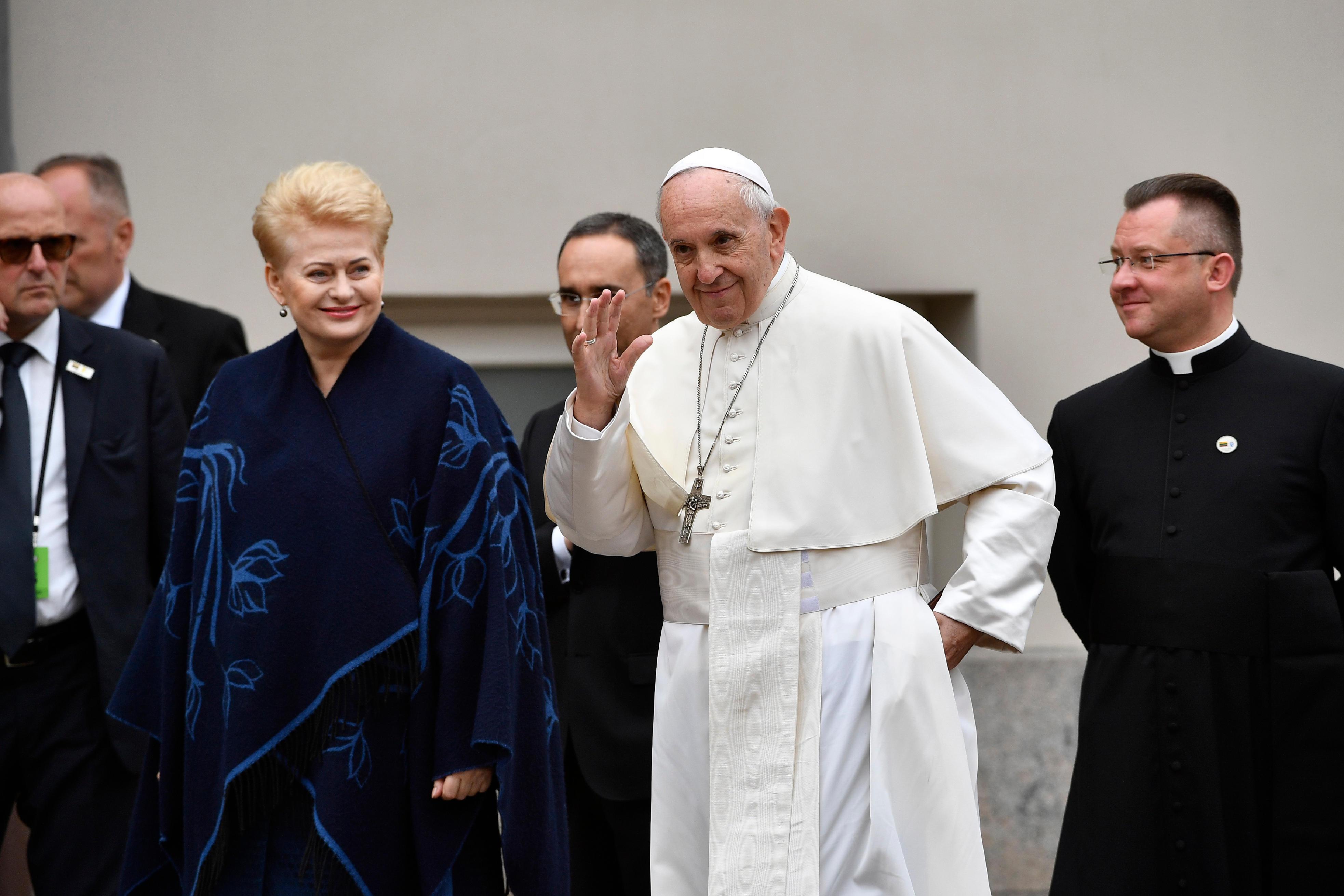 El Papa Francisco y la presidenta de Lituania, Dalia Grybauskaitė © Vatican Media