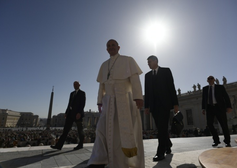 El Papa Plaza De San Pedro © Vatican Media