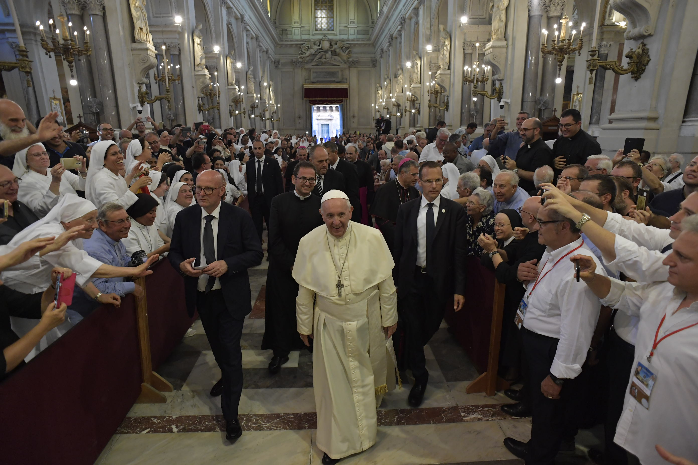 El Papa entra en la Catedral de Palermo, 15 sept. 2018 © Vatican Media
