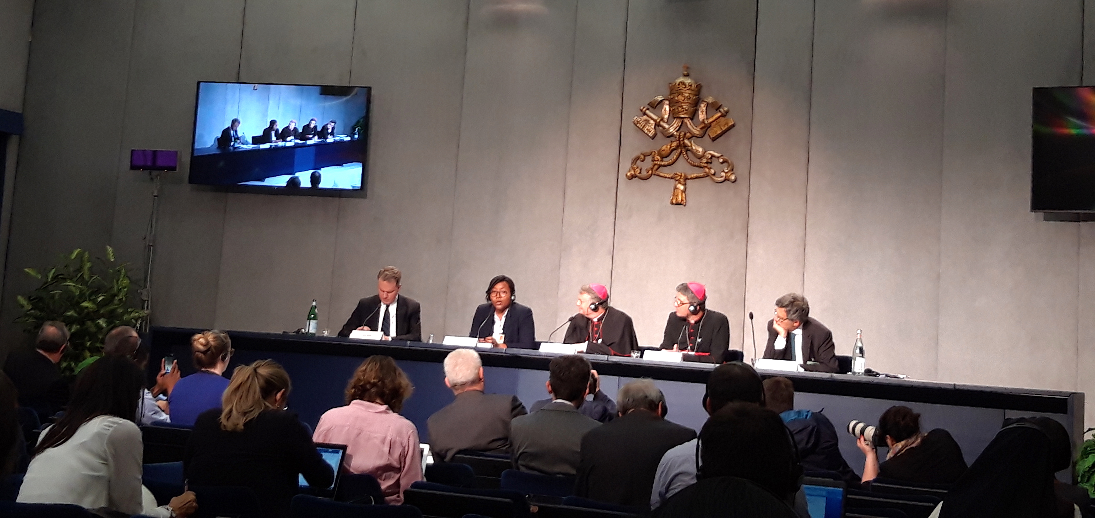 Briefing sobre la 4ª sesión del Sínodo de los Obispos © Zenit