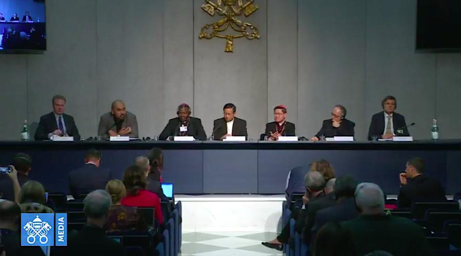 Briefing del Sínodo, 23 octubre 2018. Captura de pantalla Vatican Media
