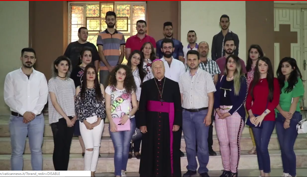 Jóvenes iraquíes dan las gracias al Papa. Captura de pantalla