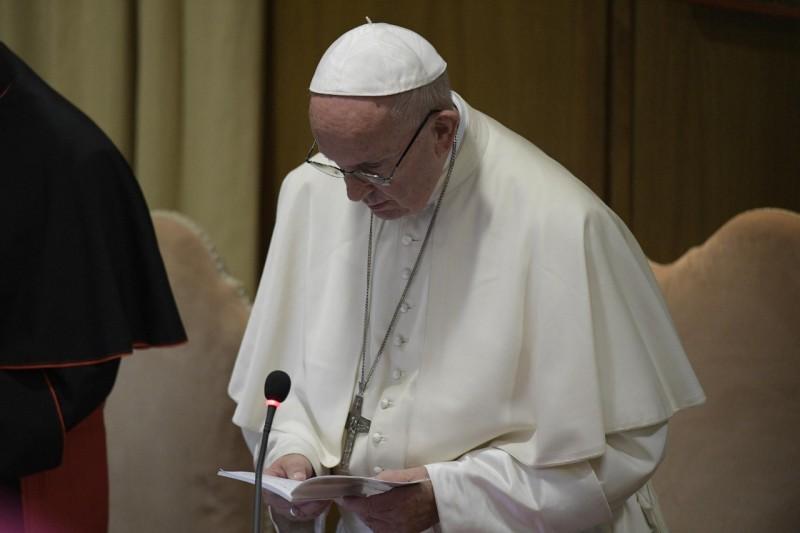 Oración del Papa Francisco en el Sínodo © Vatican Media
