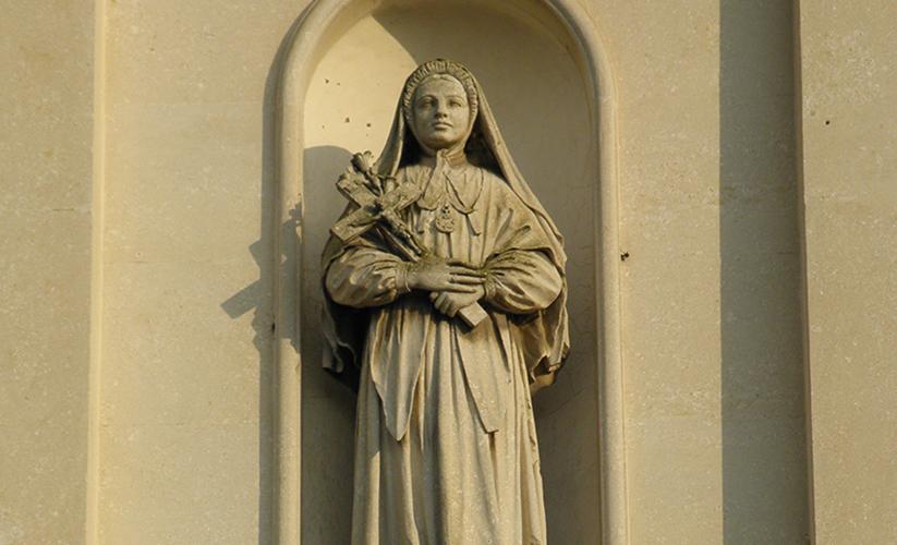Estatua de Santa María Bertilla Boscardin, Cagnano, Italia © Threecharlie