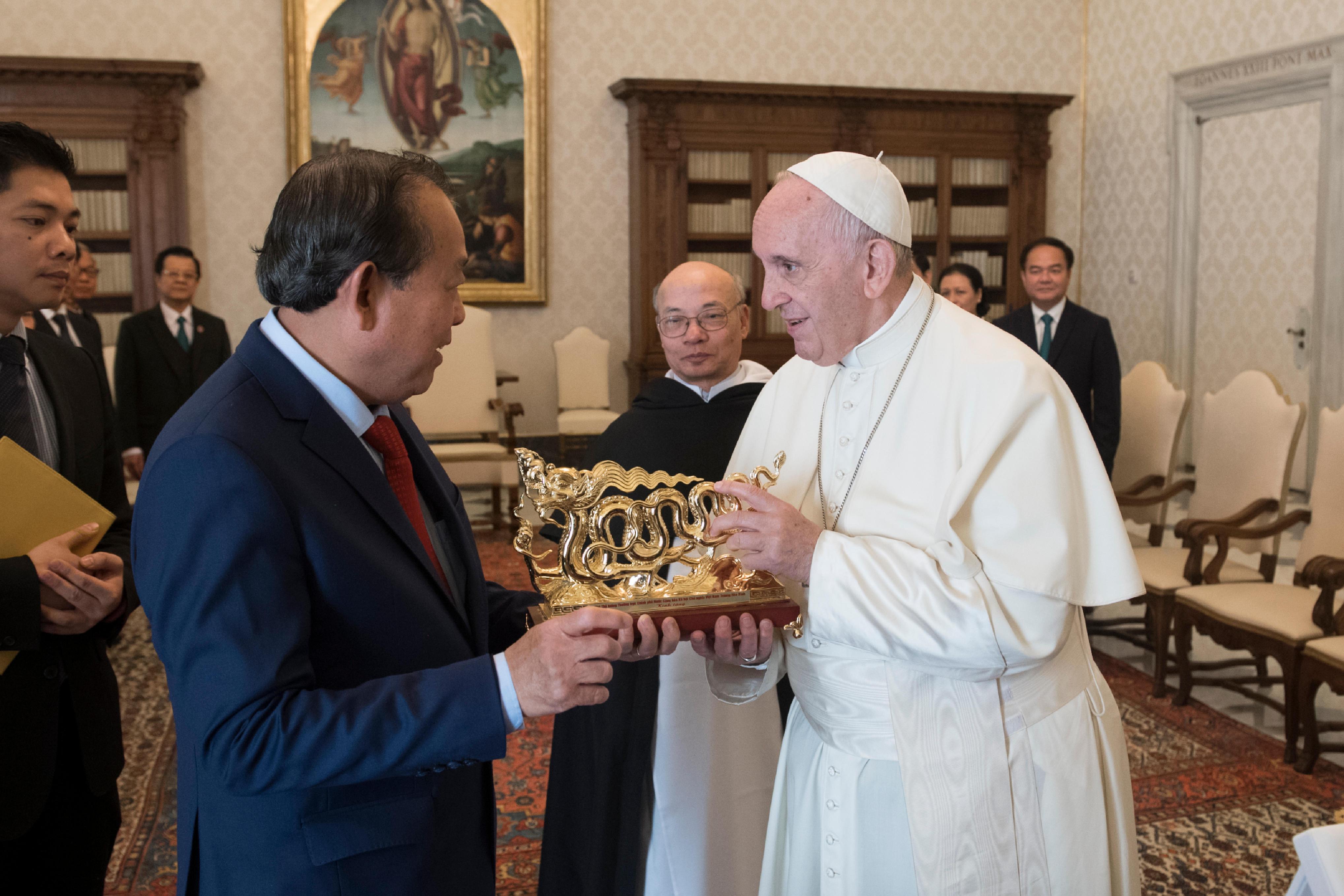 Visita al Papa de Truong Hoa Binh, vice primer ministro de Vietnam © Vatican Media