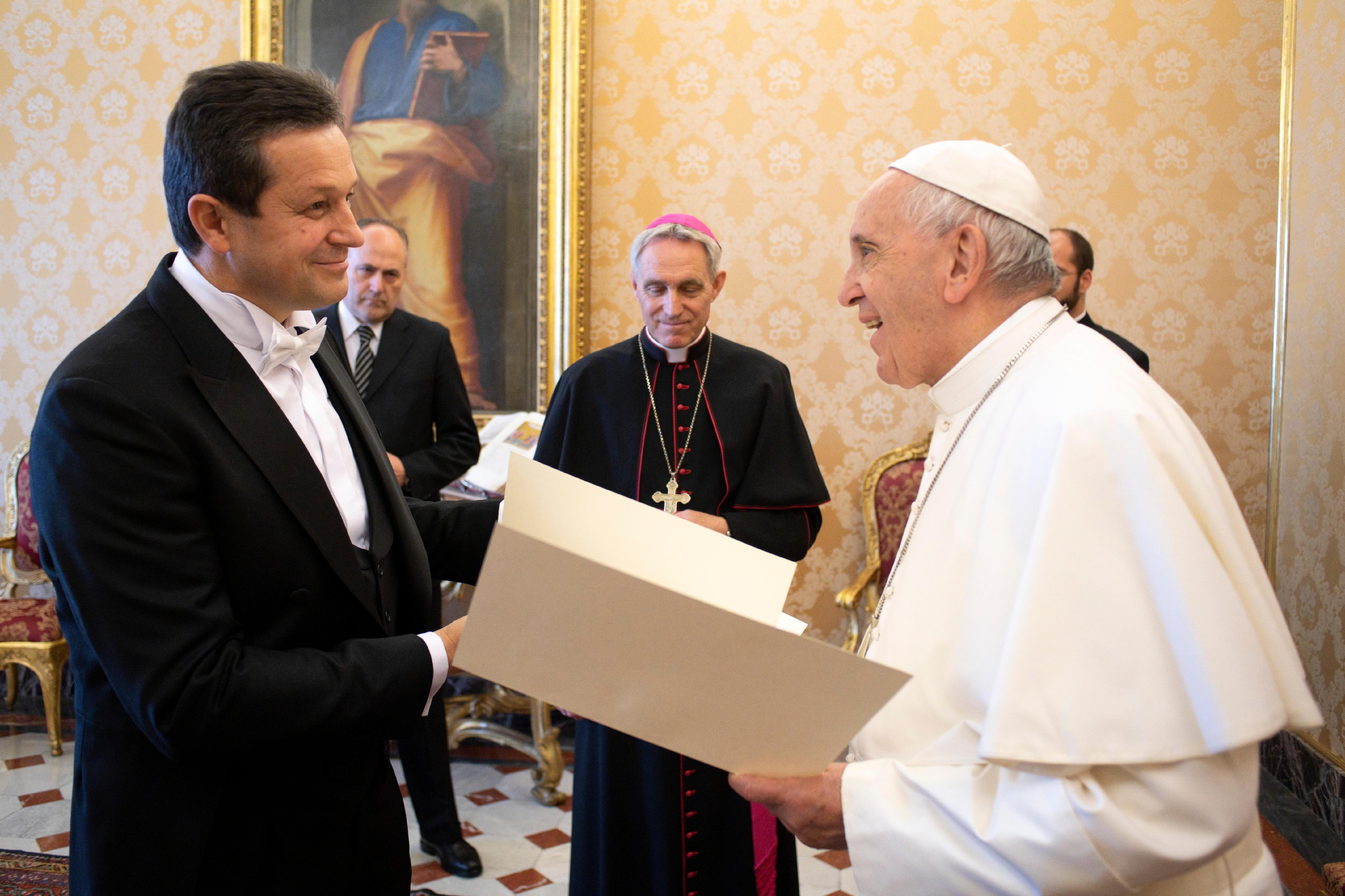 El Papa recibe al nuevo embajador de Bosnia y Herzegovina © Vatican Media