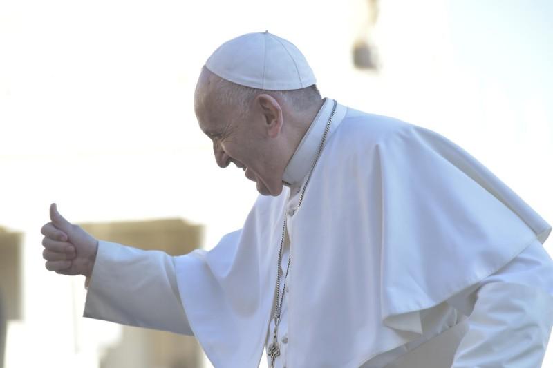 Saludo a los visitantes hispano hablantes © Vatican Media