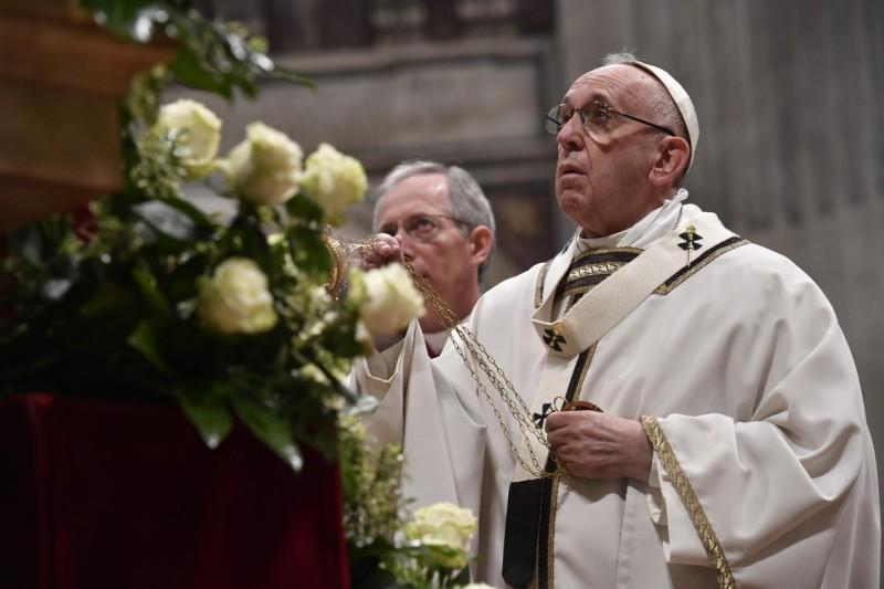 El Papa reza a la Virgen © Vatican Media
