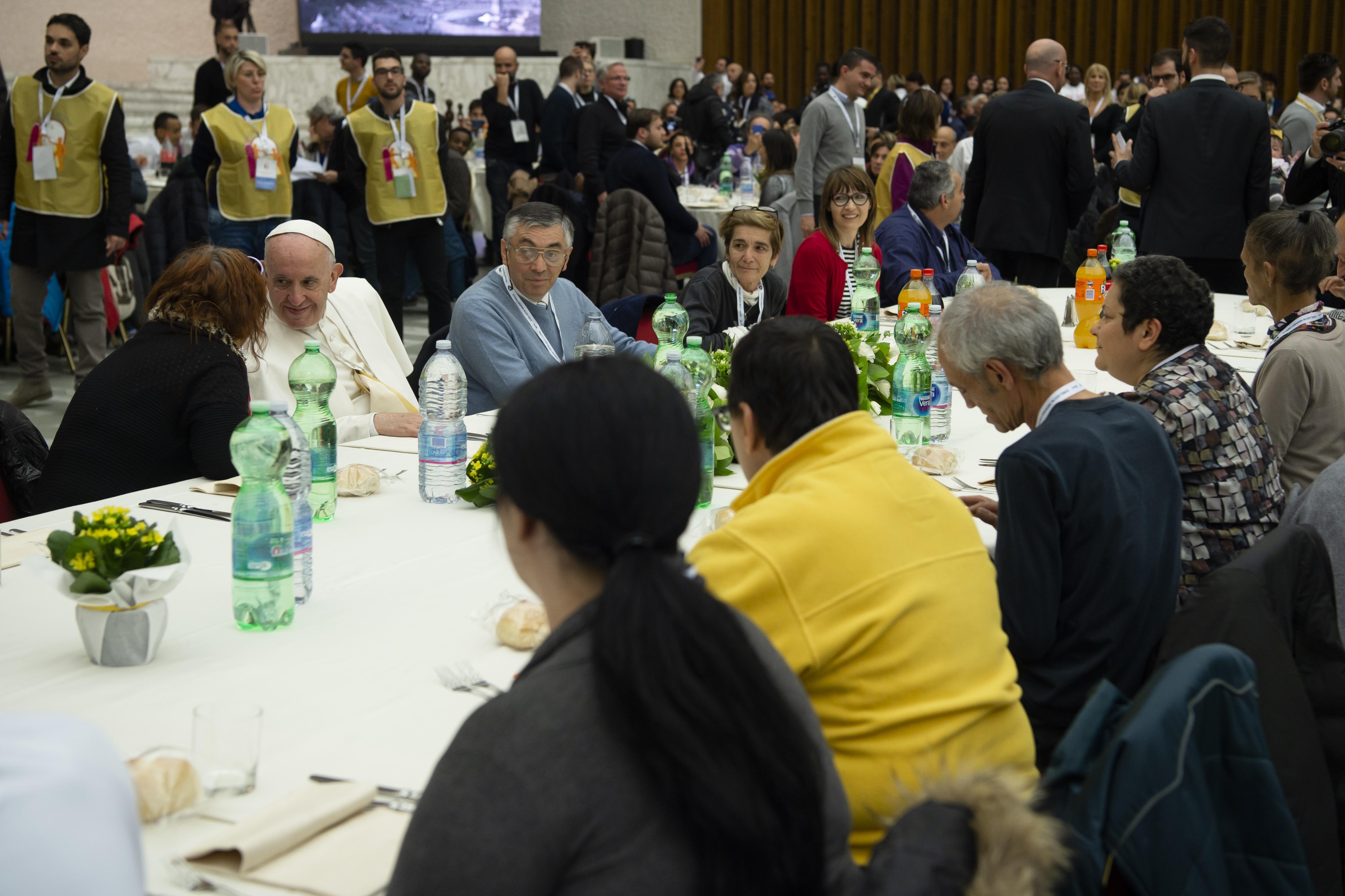 Almuerzo del Papa con los pobres © Vatican Media