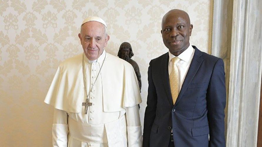 El Papa Francisco y Gilbert F. Houngbo, Presidente del FIDA© Vatican Media
