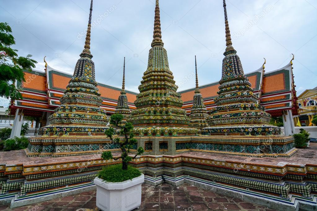 Templo Real de Chetupon (Wat Pho), Bangkok © depositphotos