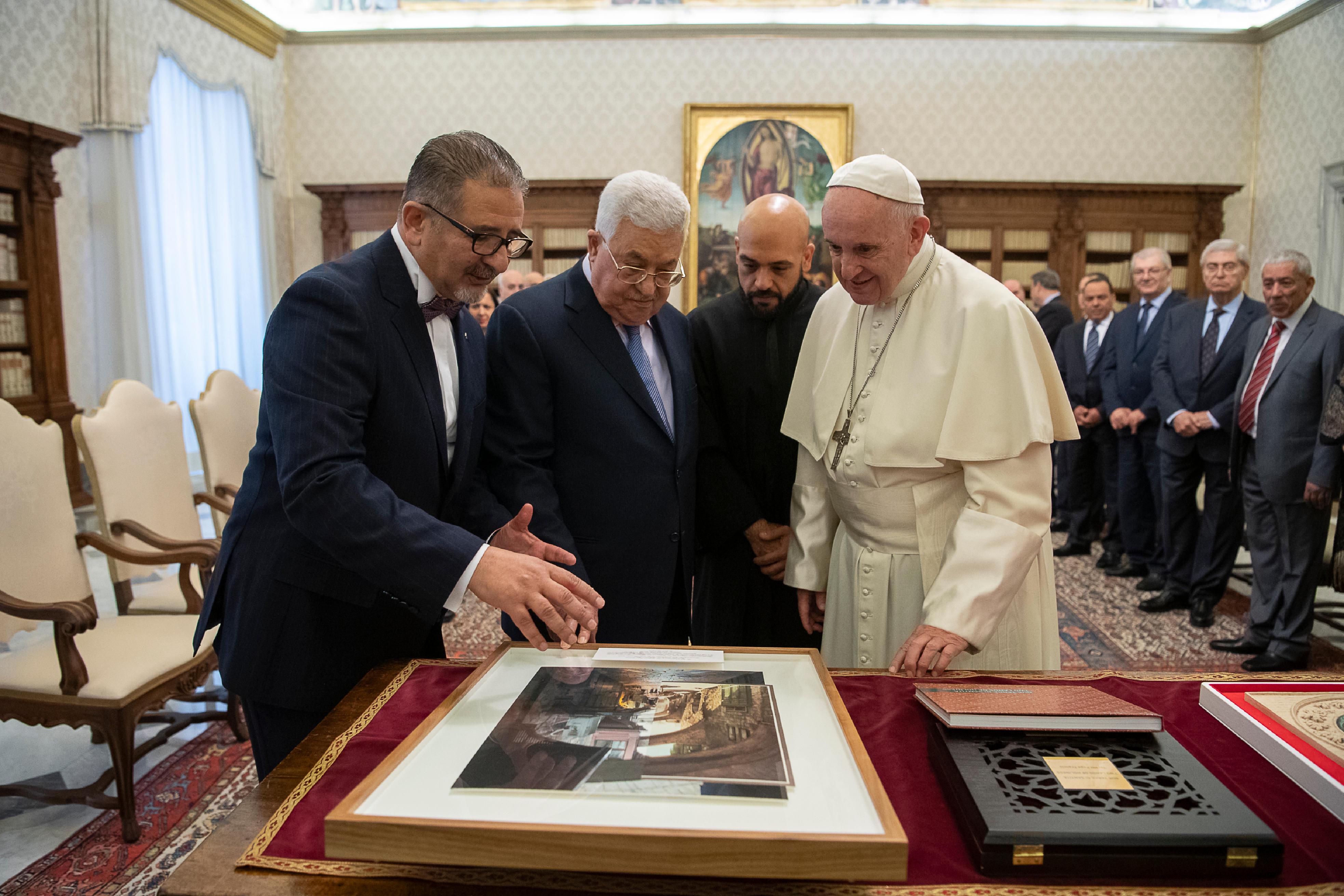 El Papa Francisco con el presidente Abbas © Vatican Media