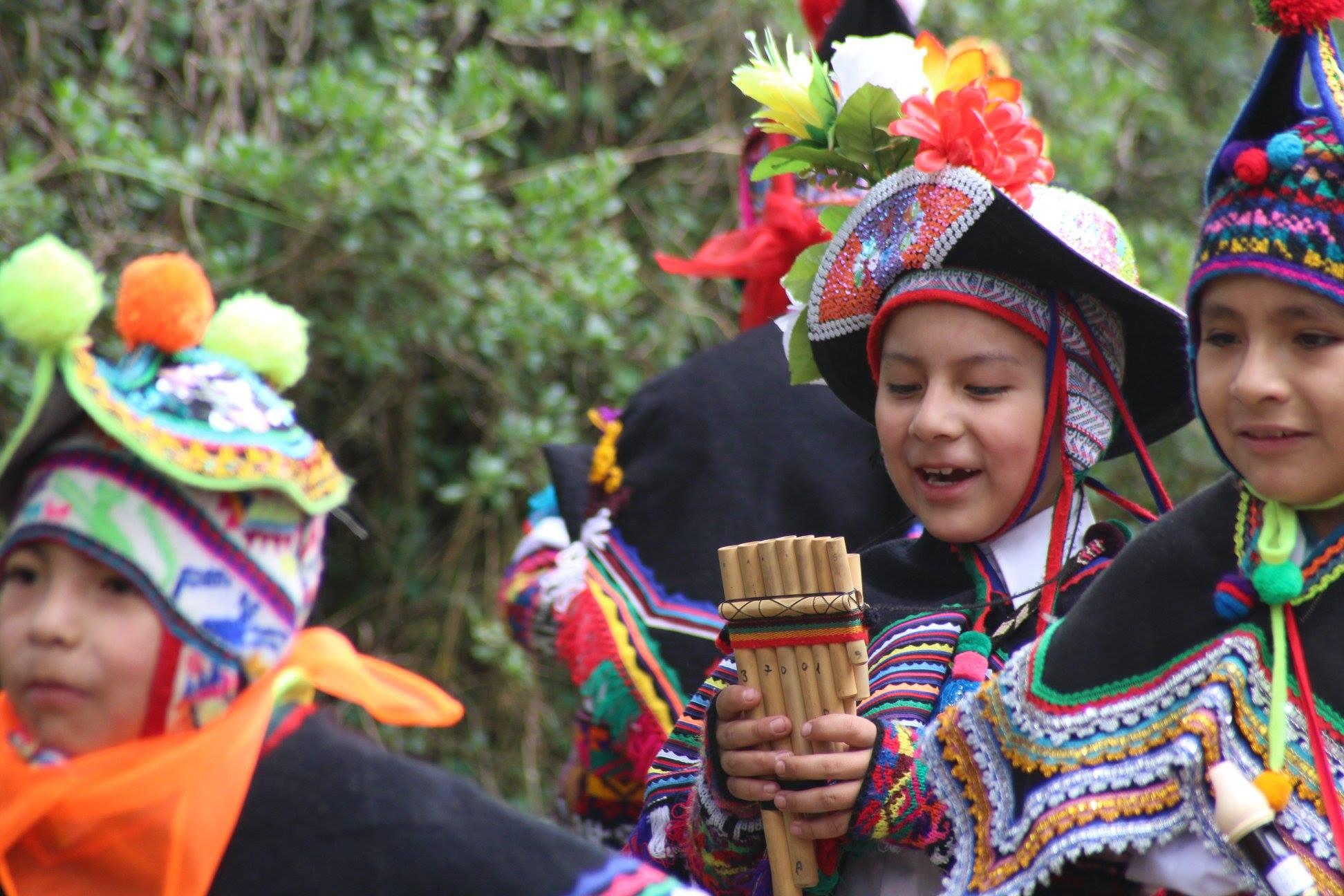 Niños peruanos cantan en quechua al Niño Dios © parroquia del Sagrario Huancavelica