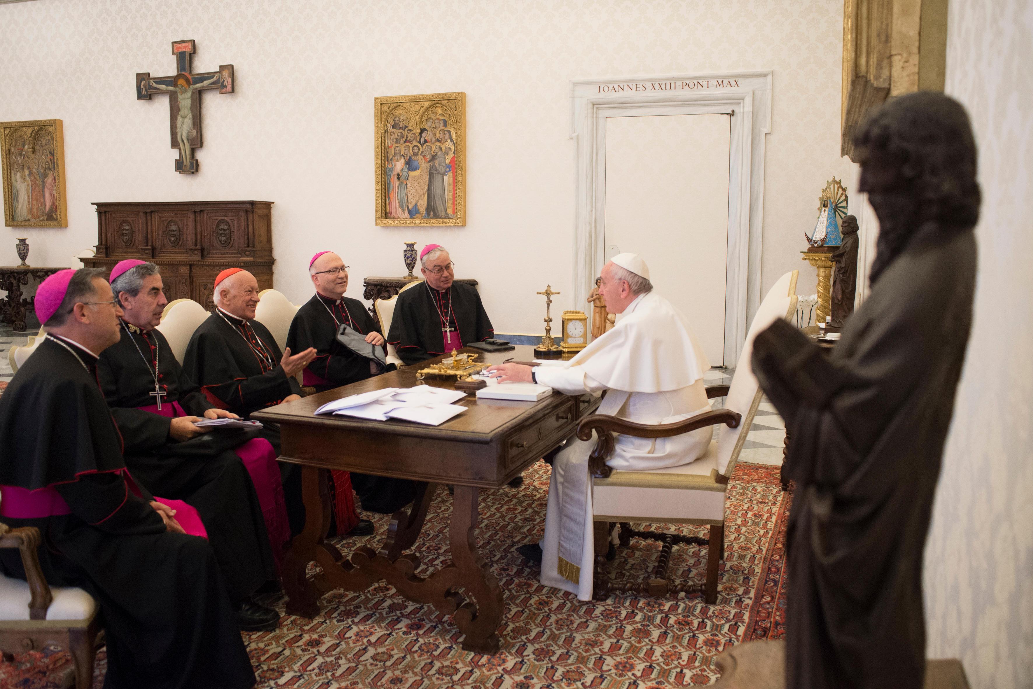 El Papa conversa con los obispos chilenos, 14 enero 2019 © Vatican Media