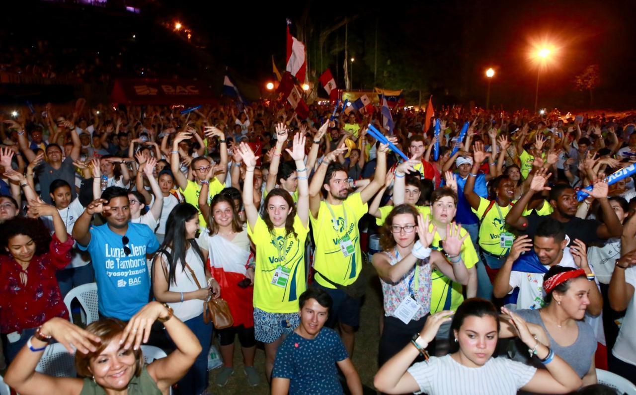 Voluntarios celebran el Festival de la Luna Llena de Tambores © JMJ Panamá 2019