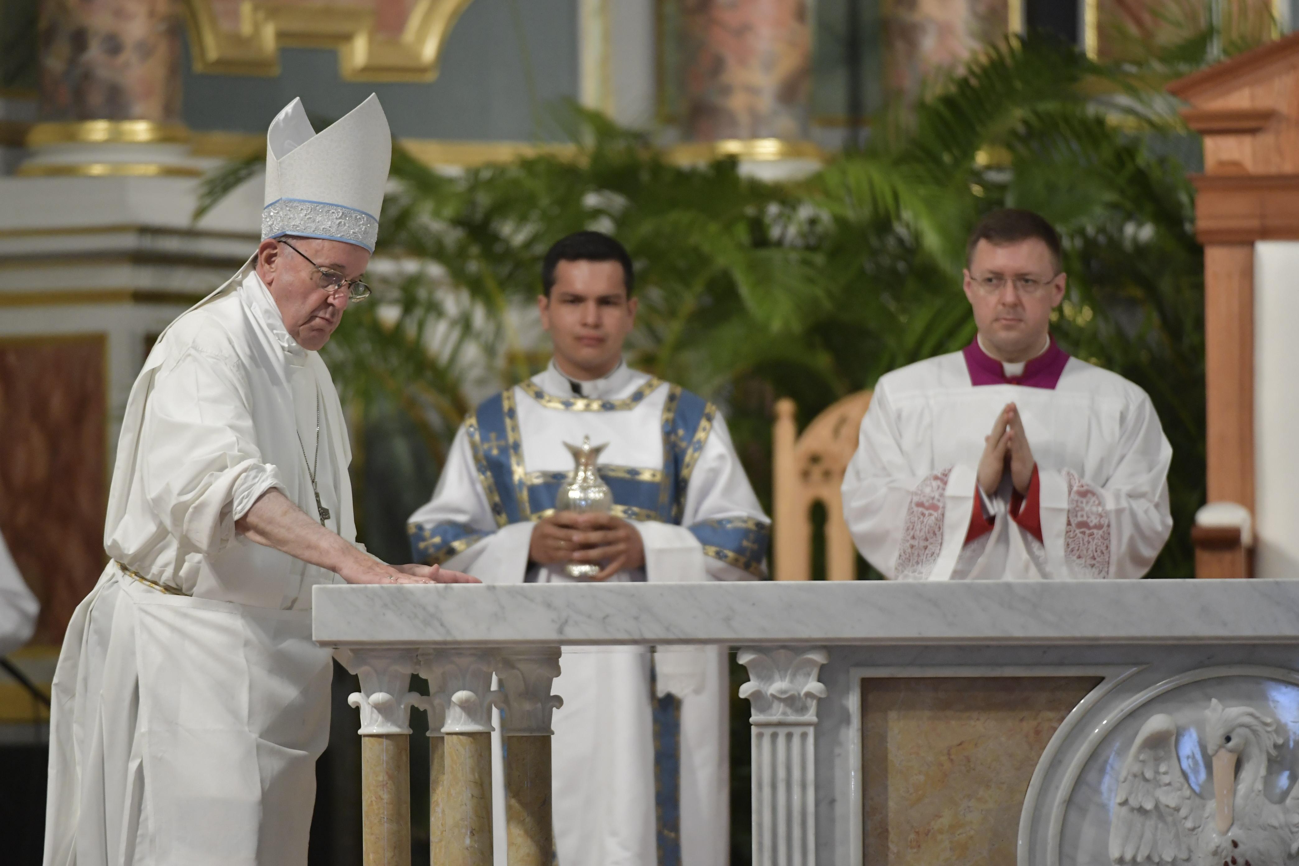 Consagración del altar de la Catedral Santa Maria La Antigua, 26 enero 2019 © Vatican Media