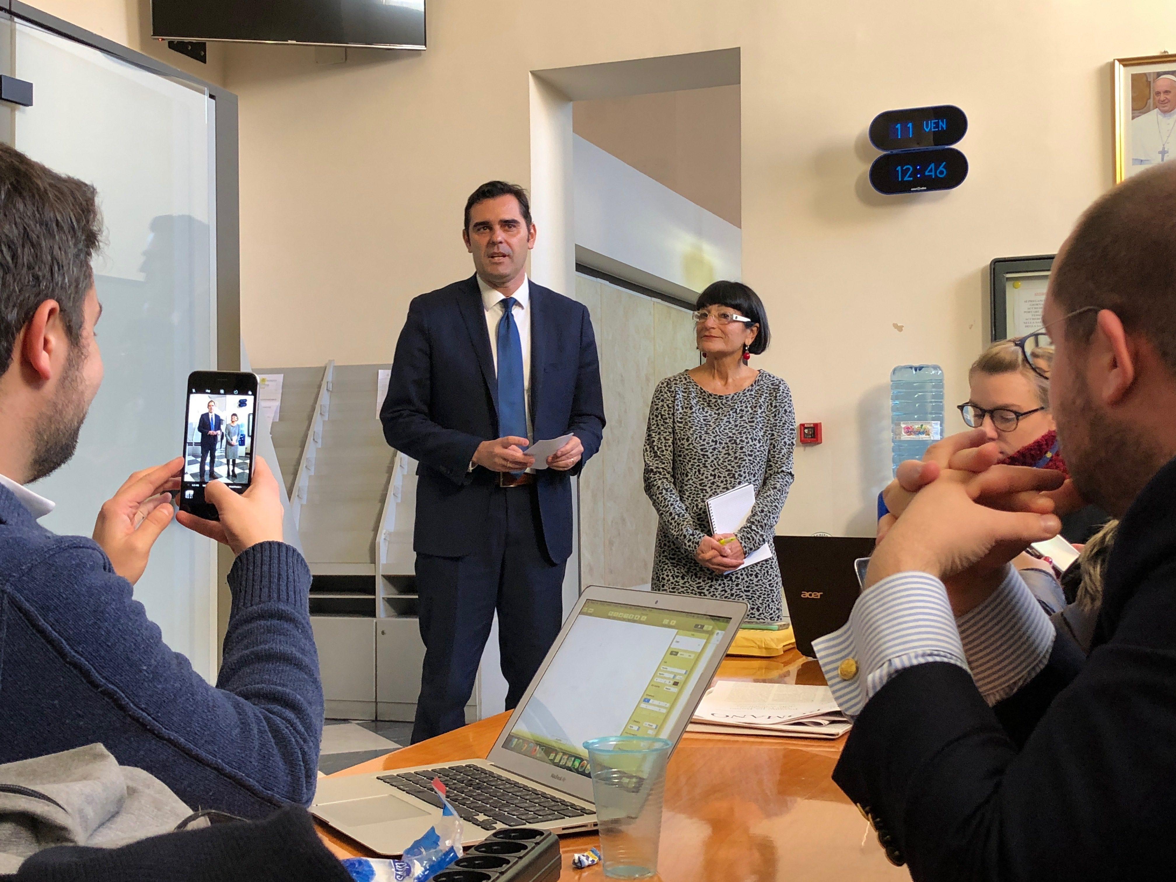 Alessandro Gisotti anuncia nuevos nombramientos en la Oficina de Prensa © Zenit/Deborah Lubov