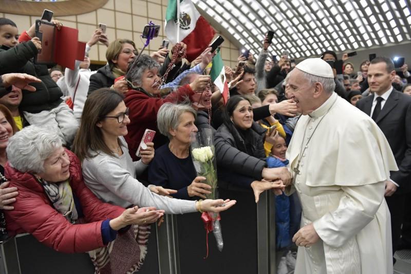 El Papa saluda a los peregrinos en el aula Pablo VI, 02/01/19 © Vatican Media