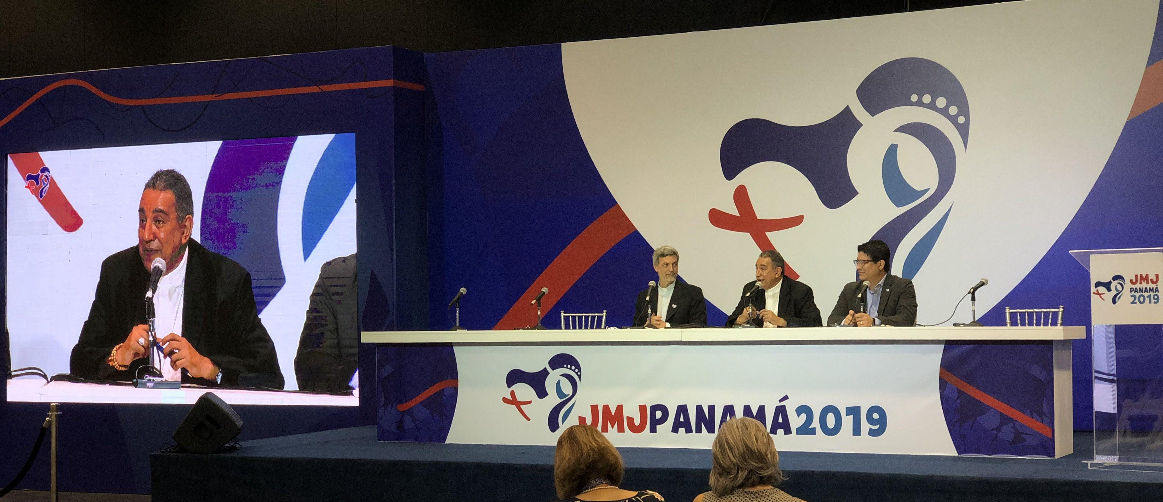 P. Alexandre Awi, Mons. Ulloa y Víctor Chang © JMJ Panamá 2019