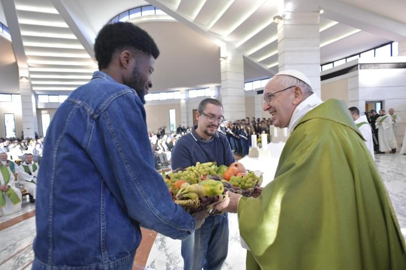 Eucaristía en la Casa de acogida en Roma © Vatican Media
