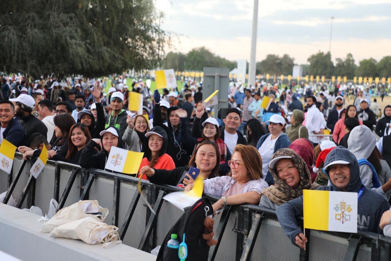 Misa en la Ciudad deportiva de Zayed, Abu Dhabi. Zenit