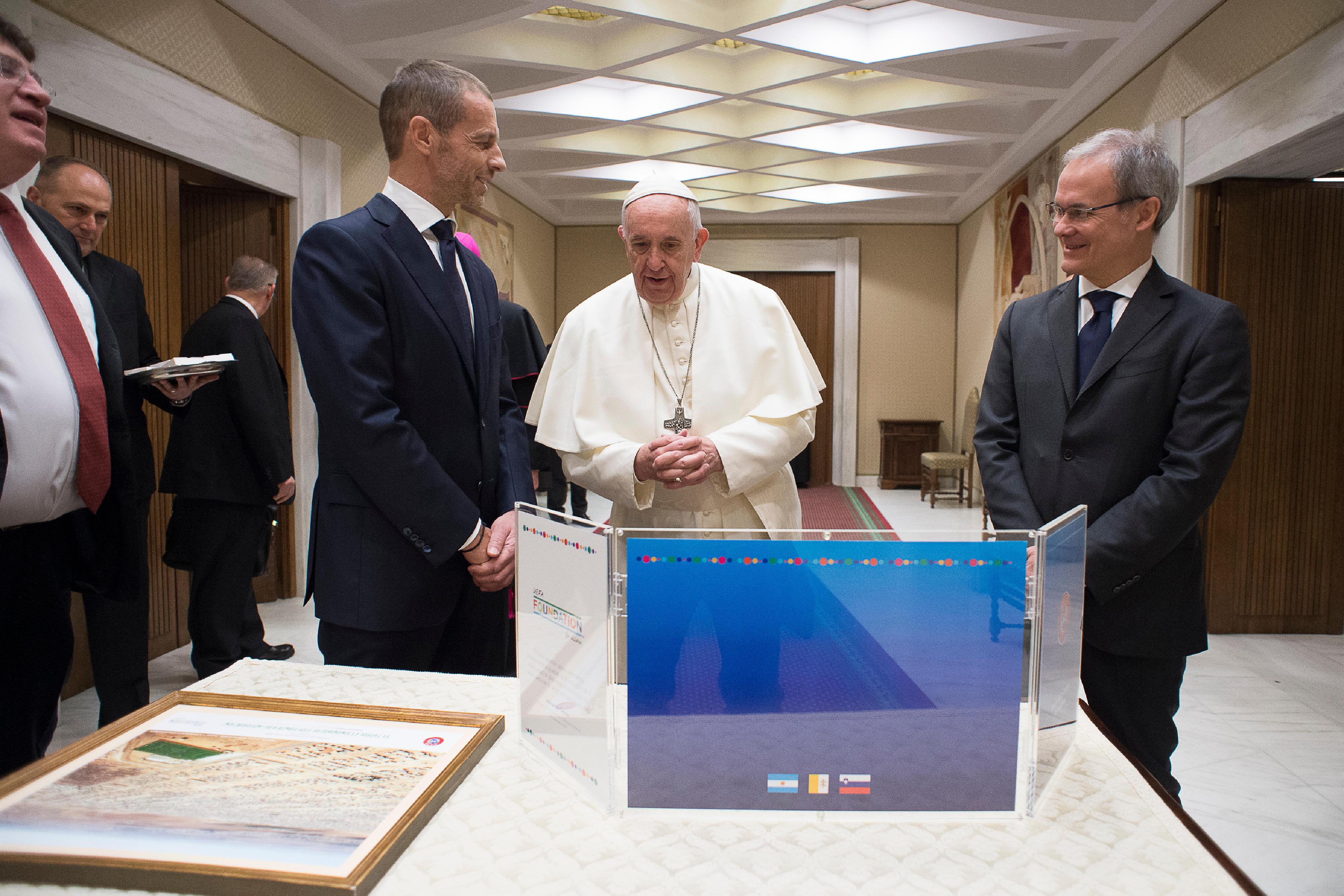 Francisco con el Presidente del a UEFA, Aleksander Ceferin © Vatican Media
