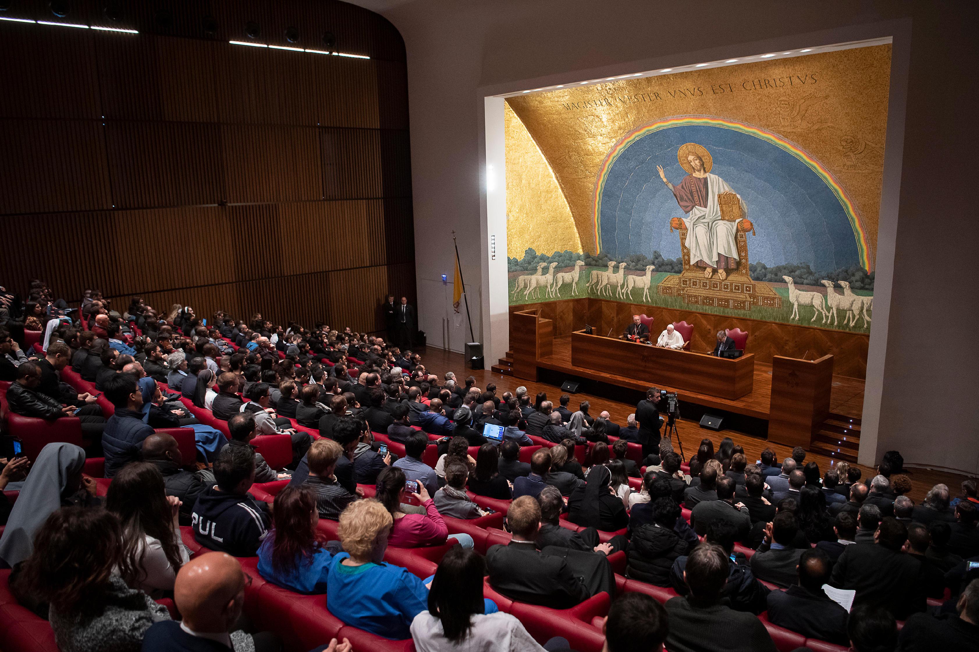 El Papa en la Universidad Pontificia Lateranense © Vatican Media