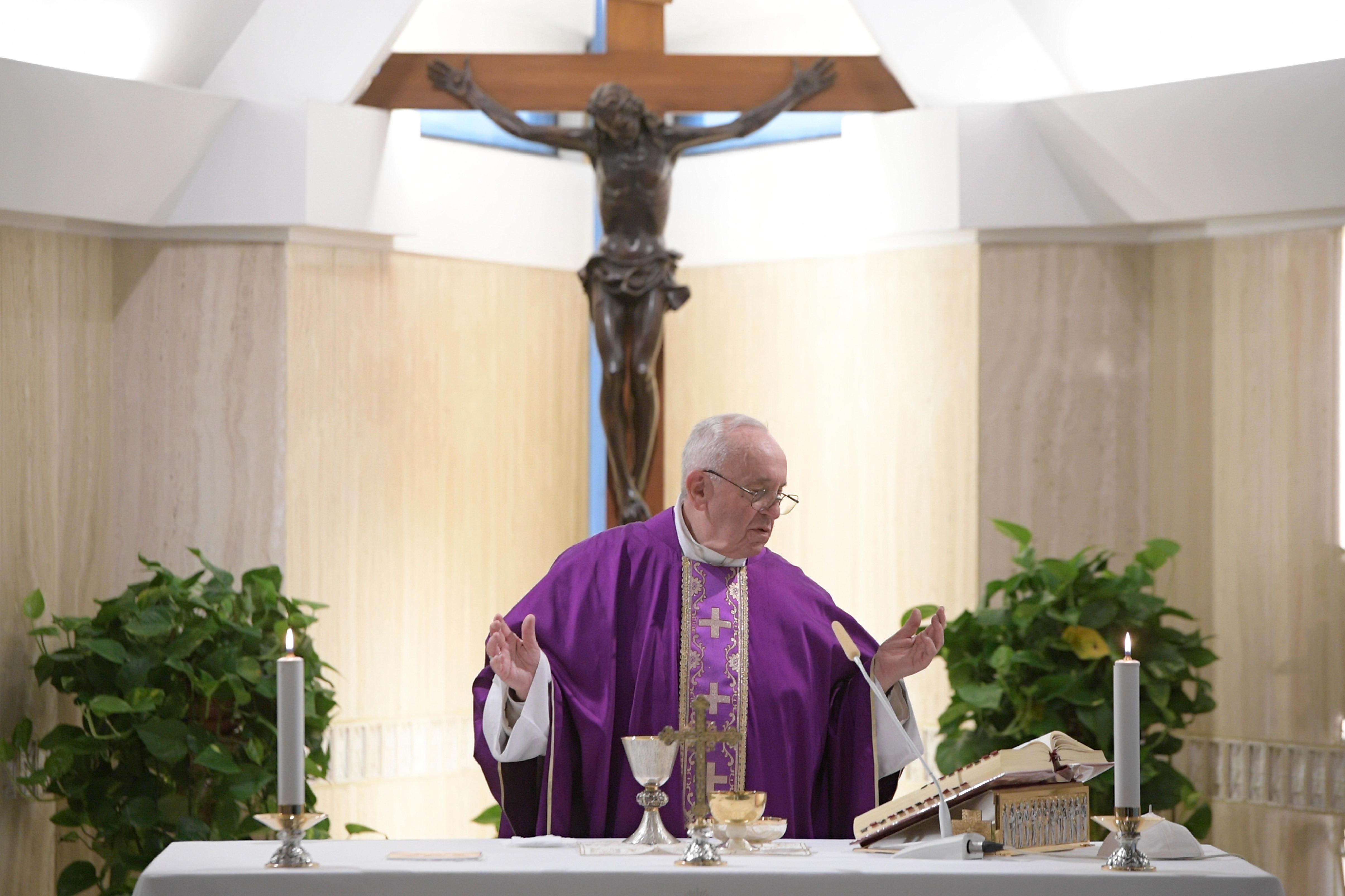 Francisco celebra la Misa el primer viernes de Cuaresma © Vatican Media