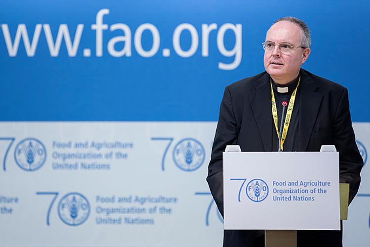 Monseñor Fernando Chica hablando en la sede de la FAO © Sedes Sapientiae