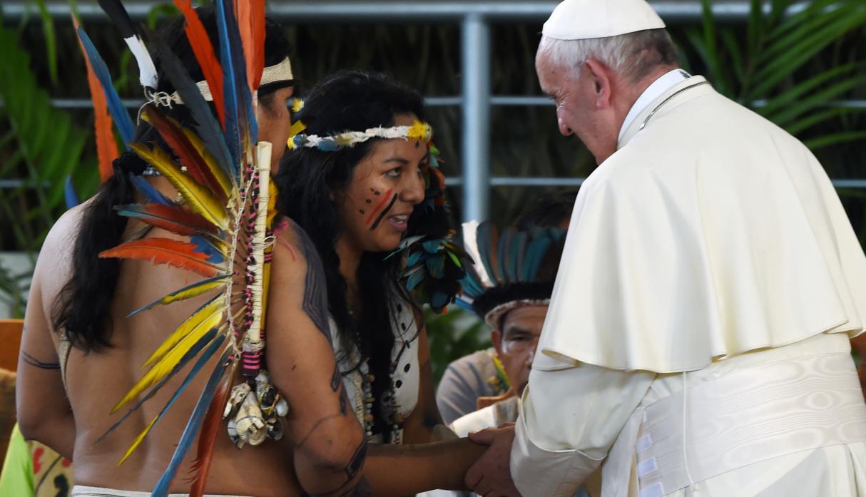 Yessica saludó al Papa en Puerto Maldonado, Perú © Esther Núñez