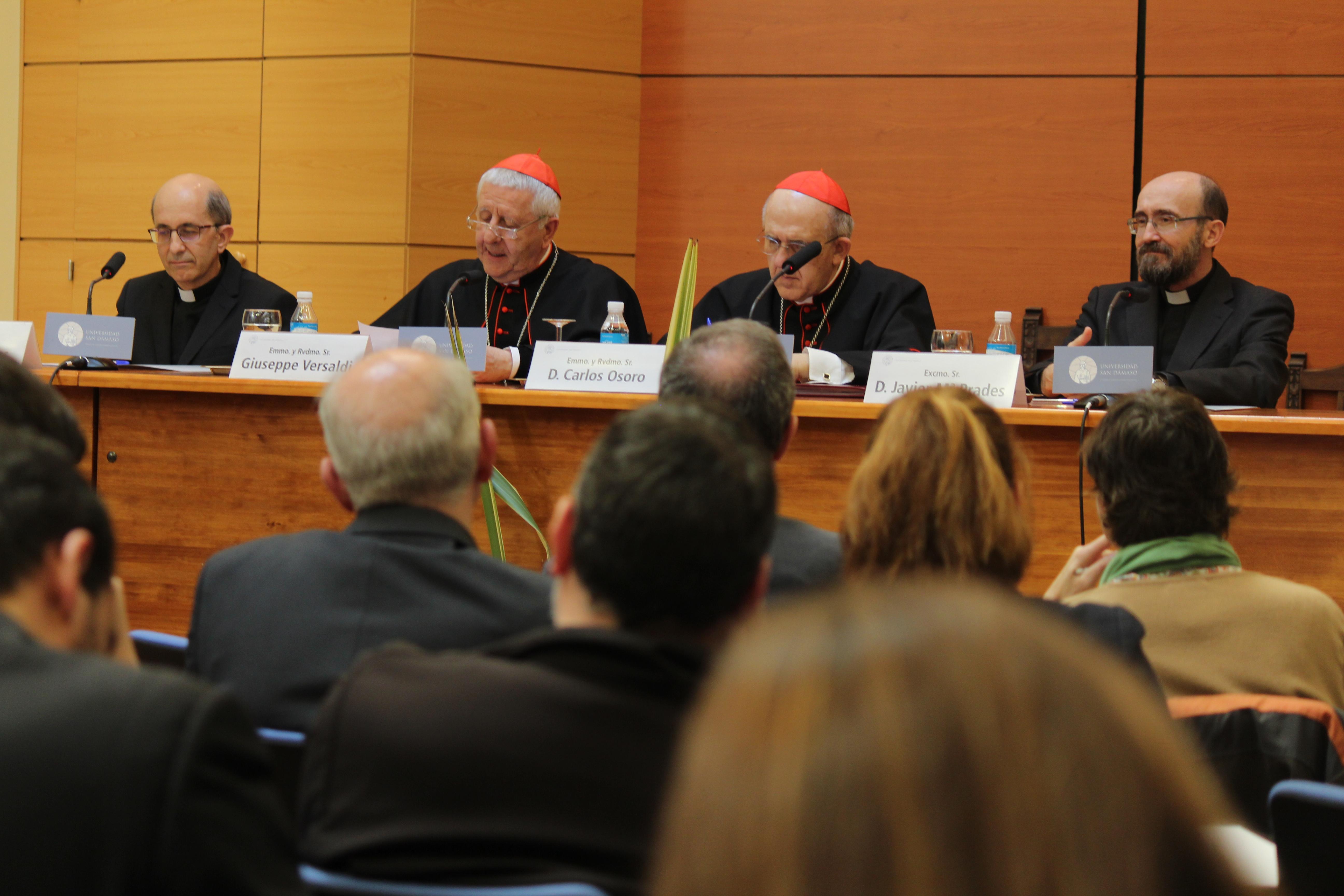 Conferencia del Cardenal Versaldi © Universidad San Dámaso