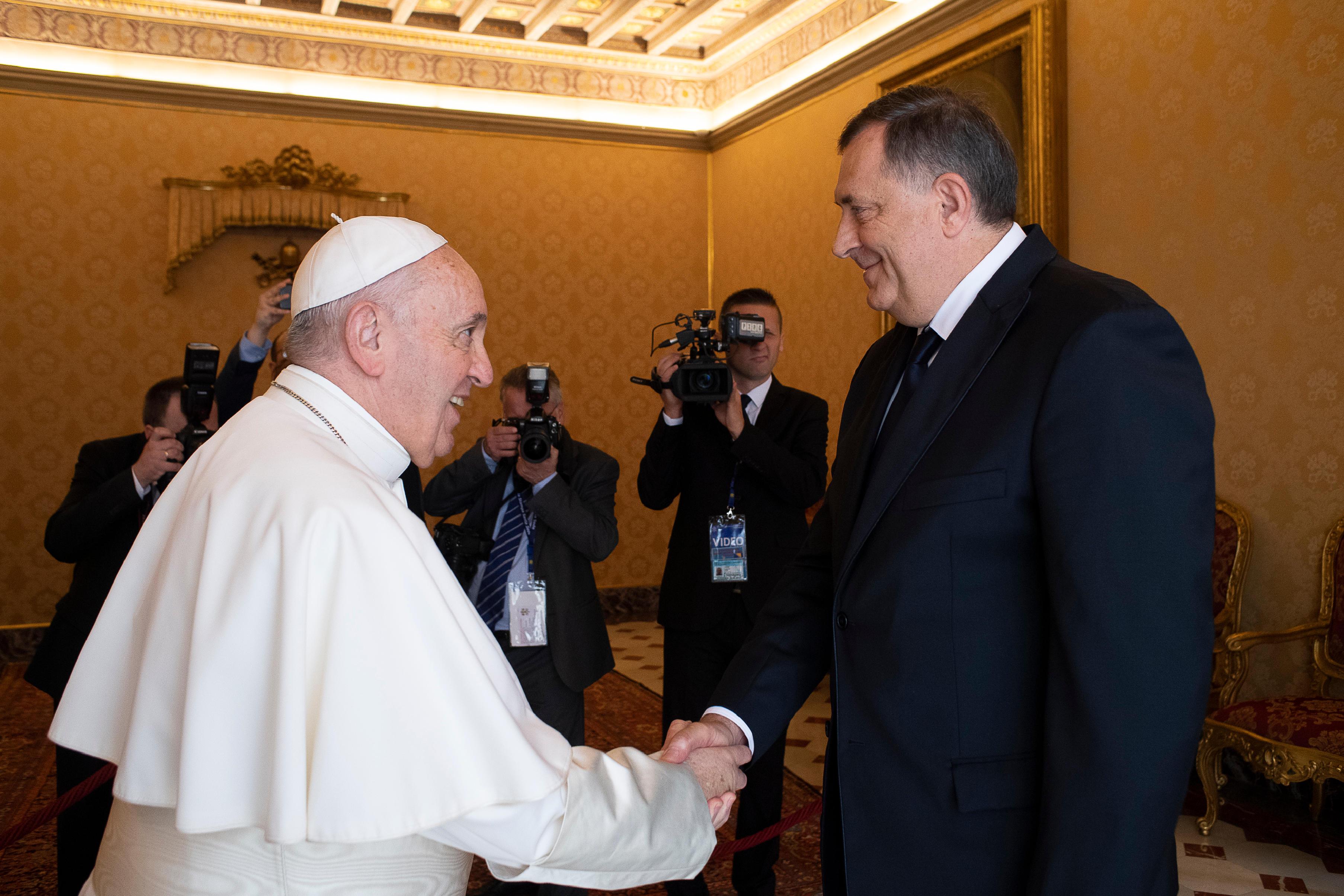 El Papa recibe al político bosnio Milorad Dodik © Vatican Media