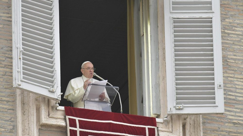 El Papa reza el Regina Coeli, el Lunes del Ángel, 22 abril 2019 © Vatican Media