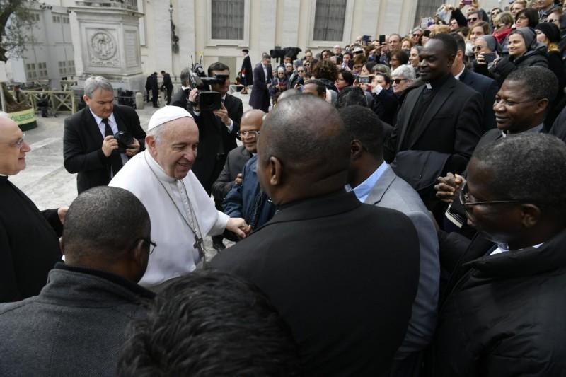 Francisco está muy atento de los problemas en África © Vatican Media